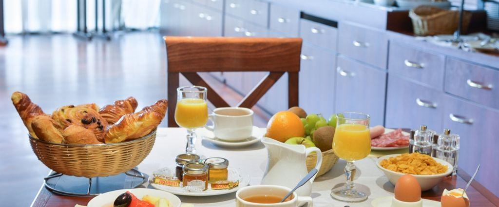 Hôtel 3 étoiles Annecy - Buffet Petit-déjeuner - Best Western hôtel International Annecy - Longitude Hotel