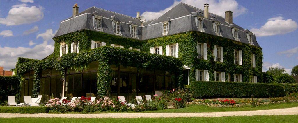 Hôtel 4 étoiles Seine-et-Marne - Façade - Château de Sancy - Longitude Hotel